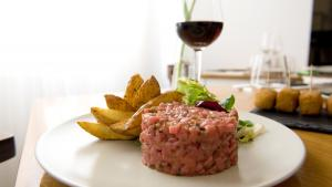 <p>Restaurante Bistrot de Llevant de Alicante, cocina francesa de calidad en el centro de Alicante. Romántico e íntimo, ideal para comidas reposadas</p>