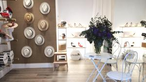 Hat and Love Alicante, boutique para novias e invitadas