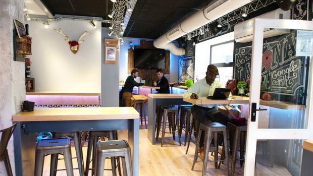 Lazona Social Bar de Alicante, terraza y ambiente desenfadado