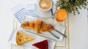 <p>Tres Semillas Obrador Alicante, pastelería sana sin lactosa, sin huevo, sin colesterol y sin aditivos químicos. Recetas 100% naturales, un lugar para descubrir, sin duda.</p>