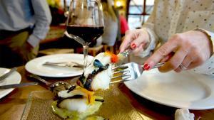 <p>Restaurante Nou Manolín de Alicante, la mejor barra de la ciudad. Recomendación de uno de los mejores restaurantes de Alicante, en Ocio Magazine Alicante</p>