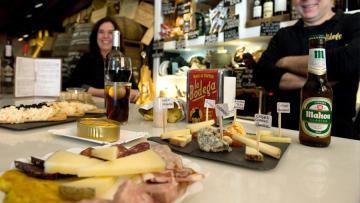 La Bodega de Alicante, conservas, quesos y vermouth