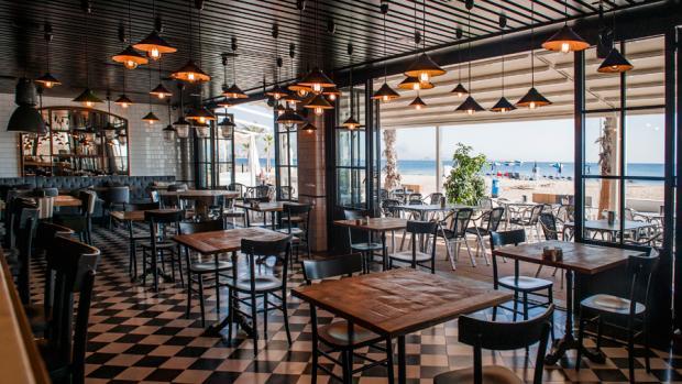 Moments Bar Urbanova (Alicante), tus momentos únicos frente al mar