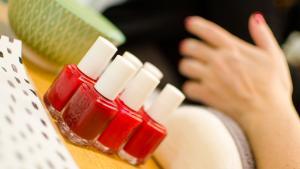 <p>La Moderna Nail Bar Alicante, manicuras y pedicuras especiales, tratamientos de belleza, maquillaje y todo para la novia, el novio y las futuras mamis</p>