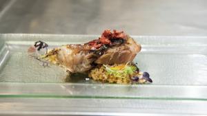 <p><span>Ricardo Moltó reinventa la cocina de la Foia con Erre que erre gastrobar en Ibi. Arroz, pescado, carne, verdura fresca y gran pericana en RQR.</span></p>