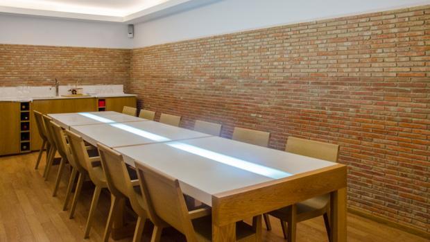 Vadevins, la enoteca de Alicante perteneciente al Grupo Gastronou