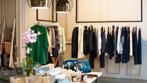 <p>Classy Privèe Alicante, es más que un estilo de vida, es una filosofía propia basada en el gusto por las calidades, los detalles y el estilo. Boutique de moda</p>