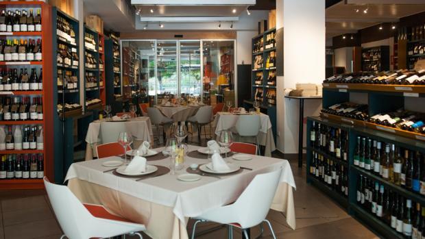 Vinicolas Wine Bar es un restaurante y bogega de vino dos en uno