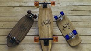<p>Long Days Longboards fabrica tablas de skate artesanas y manillares para fixie. Sus longboards están tallados a mano en madera de calidad y excepcionales acabados</p>