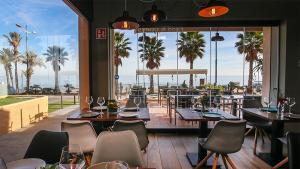 <p>T-Class Food & Drinks es un restaurante situado en el paseo marítimo de La Vila que apuesta por una cocina de origen y por el producto local </p>