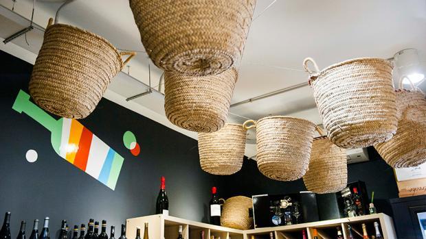 Raïm Degustación es un local acogedor y cercano situado en Alicante