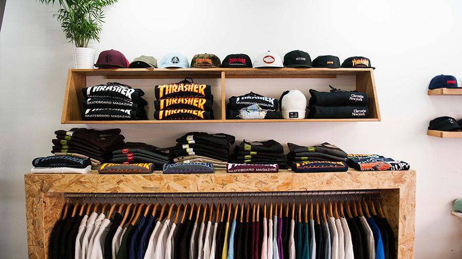 profesional de venta caliente Estados Unidos buscar el más nuevo Aime Moss, tienda de Skateboarding con moda urbana en Alicante