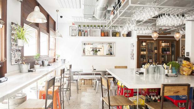 Pro-Bar, el buen bar de toda la vida, por Dani Frías y Carl Borg