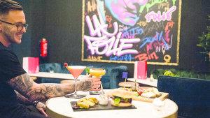 <p>La Folie restaurante, coctelería y estudio de tatuajes en Alicante. Cocina mediterránea con un toque francés maridada con cócteles. Pide cita para un tatu.</p>