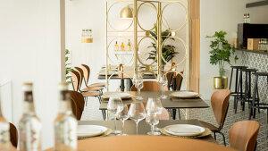 <p>Ya sea en barra, sala o terraza en El Cielo puedes disfrutar de una cocina de mercado basada en el producto en un ambiente tranquilo y elegante. Alicante.</p>