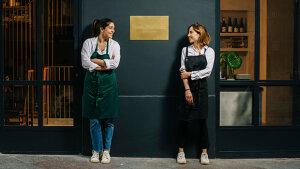<p>Hermanas Martínez Food Atelier de Alicante. Una experiencia gastro saludable que combina lo mejor de ambos mundos en un espacio versátil y multifuncional</p>