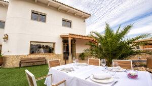 <p>La Quarantamaula, el nuevo restaurante de Ricardo Moltó en Castalla, en el Hotel La Artmonía. Descubre su entorno y su gastronomía rodeado de naturaleza</p>